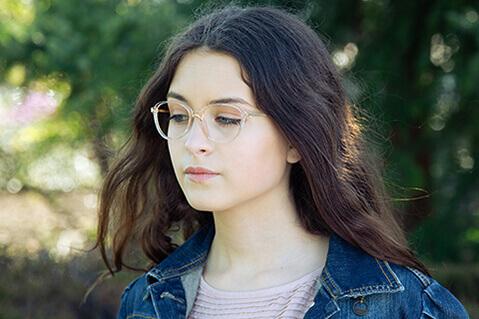 Woman eyewear model